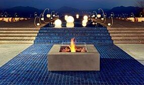 Commercial Space - Base 40 Tables extérieure by EcoSmart Fire