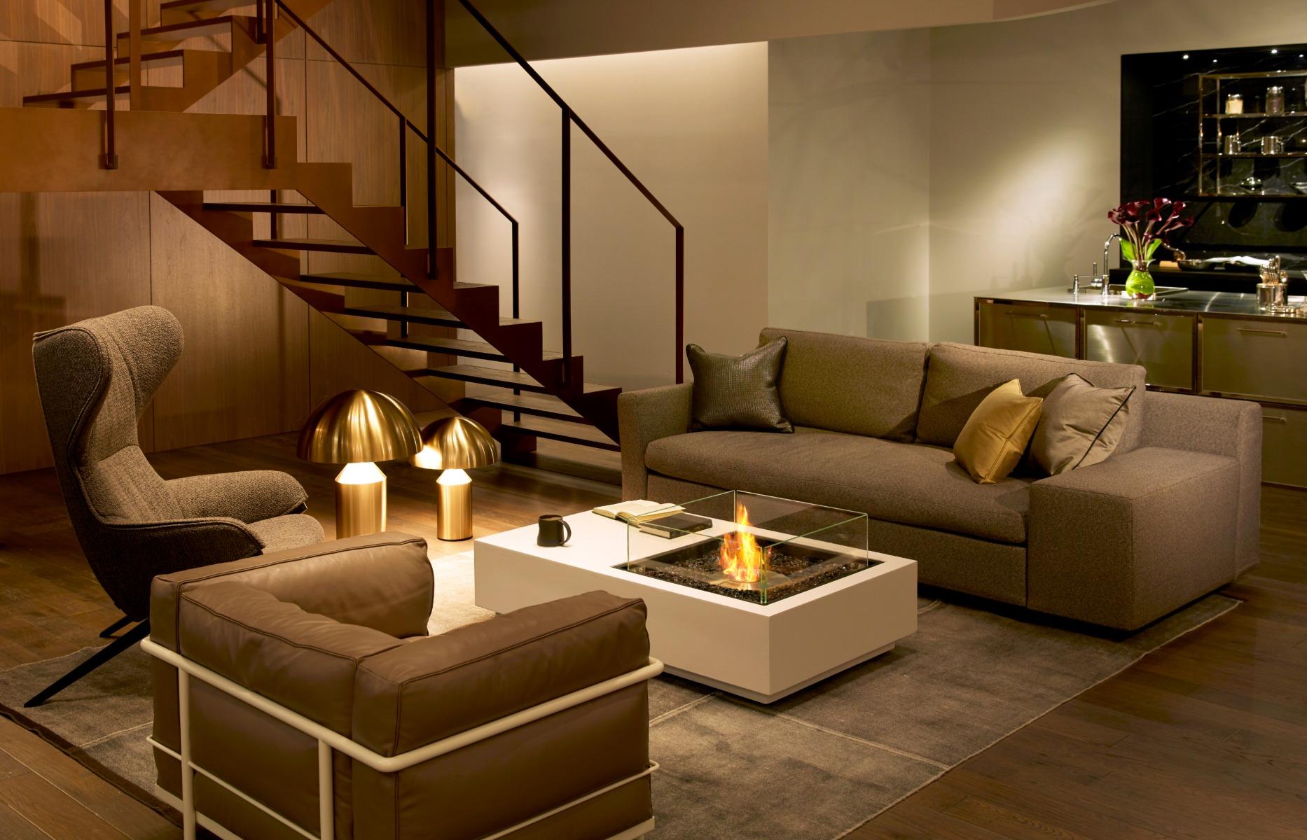 EcoSmart Fire Manhattan fire table